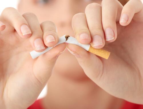 ¿Cuáles son los efectos del tabaco sobre los implantes dentales?